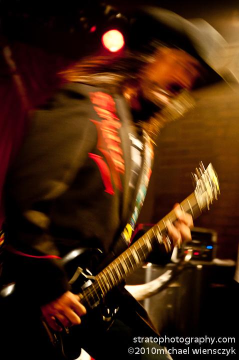 blurred C chord
