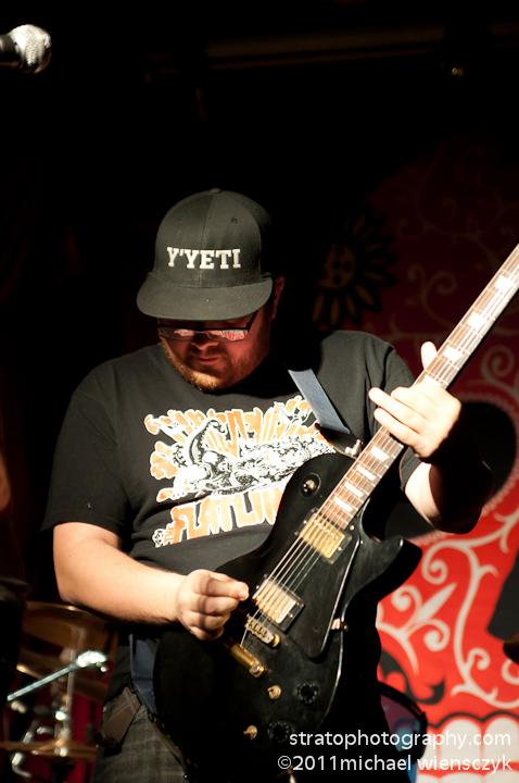 lead vox guitarist
