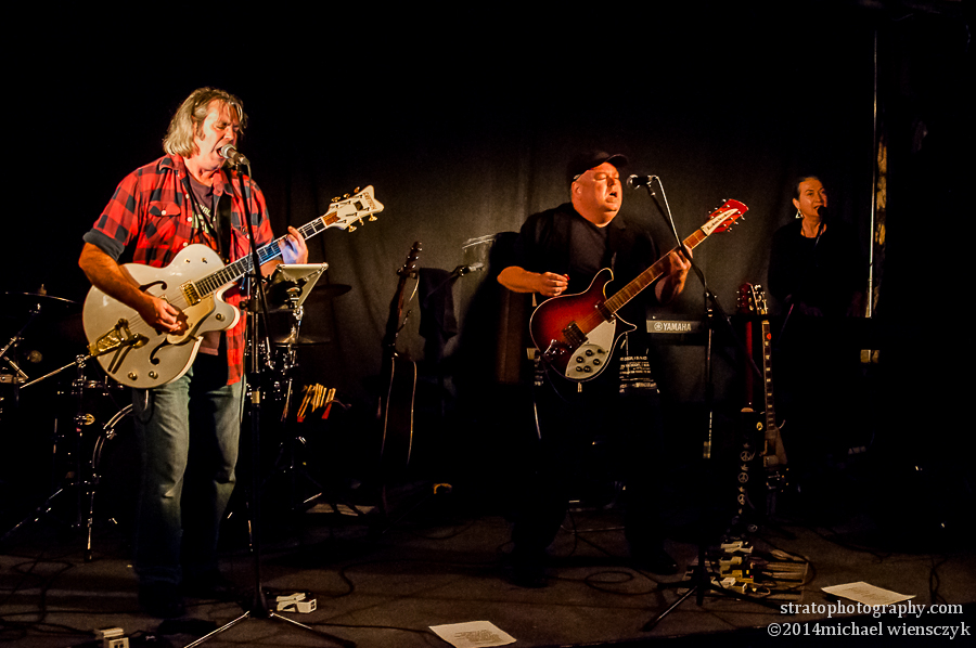 The Neil Young'uns, El Mocambo Kiss Off